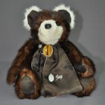 Jacki Hale asked me to share these photos. She sent her late mother's furs to have bears made for herself and her siblings and family members--10 bears in all. Here is a photo album of them. She also sent bits and pieces of her mother's jewelry to be used on each bear for 10 really special bears.