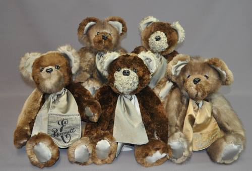 Heidi McPherson sent shaved beaver coat, a mink stole, a lamb muff and a shaved beaver muff to have us make her five bears. We mixed the furs to give each bear its own individual personality.